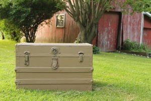 Trunk to Table - DIY project by Yellow Dog Pink Pig